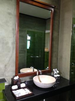 诺拉布里度假村 - 苏梅岛 - 浴室