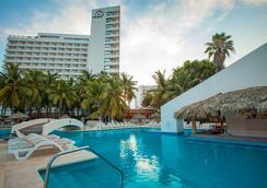 皇家伊斯塔帕公园全包酒店 - 伊斯塔帕 - 游泳池