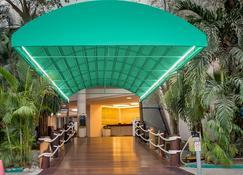 伊斯塔帕海滩皇家公园酒店 - 伊斯塔帕 - 建筑