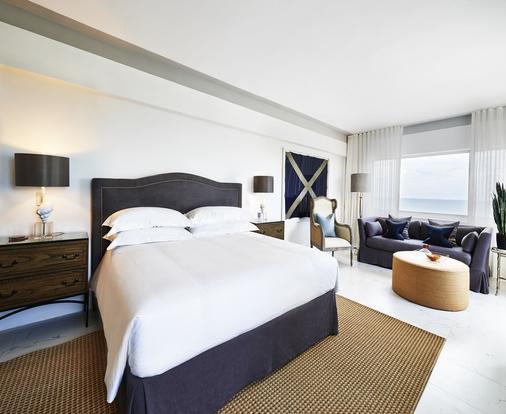 那堤路斯阿罗酒店 - 迈阿密海滩 - 睡房