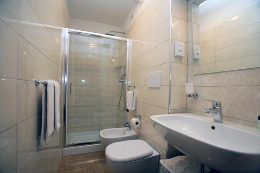 底西瑞酒店 - 佛罗伦萨 - 浴室