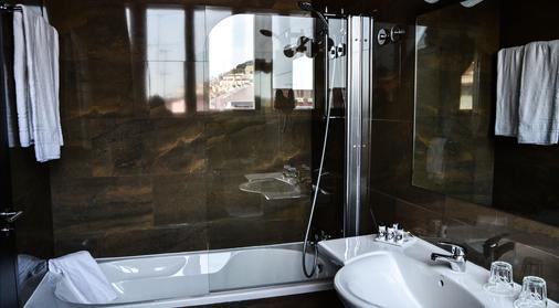 罗斯奥嘉登酒店 - 里斯本 - 浴室