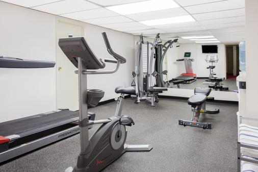 莱斯布里奇速8酒店 - Lethbridge - 健身房