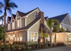 洛杉矶托兰斯/雷东多海滩原住客栈 - 托伦斯 - 建筑