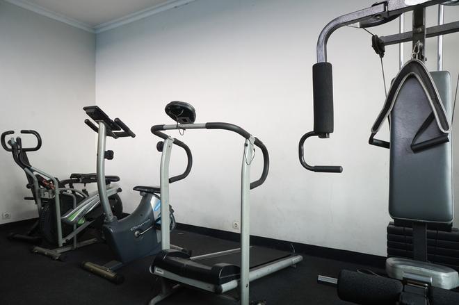 红多兹plus酒店@奇哈佩拉斯3 - 万隆 - 健身房