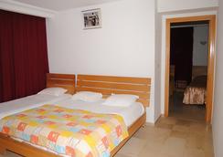 娜谢艾尔芳瑙酒店 - 斯法克斯 - 睡房