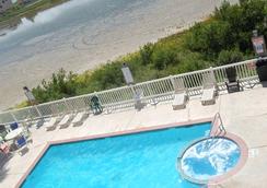蓝海湾酒店及套房 - 南帕诸岛 - 游泳池