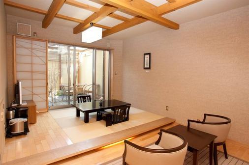 七川酒店 - 由布市 - 客厅