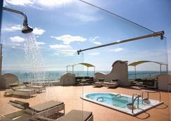 翡翠套房酒店及Spa - 圣贝内代托-德尔特龙托 - 露天屋顶