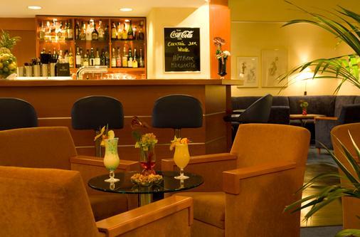 施泰根博阁孔蒂汉莎度假酒店 - 基尔 - 酒吧