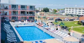 奥岛海滩度假酒店 - 威尔伍德克拉斯特 - 游泳池