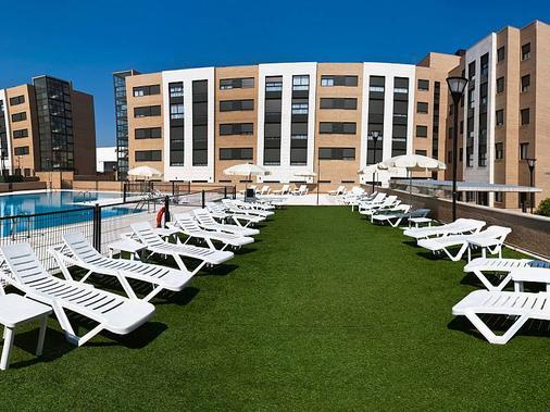 孔波斯特拉套房酒店 - 马德里 - 露台