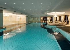 蒙塔丰鲁汶酒店 - 施伦斯 - 游泳池