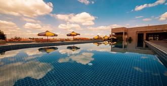 特威茨生活风格青年旅舍 - 暹粒 - 游泳池