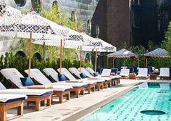 梦幻市区酒店 - 纽约 - 游泳池