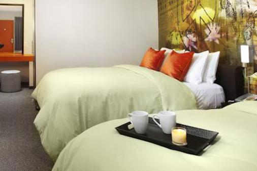 橘子酒店 - 伯班克 - 睡房