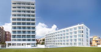 阿莱酒店-仅限成人 - 贝纳马德纳 - 建筑
