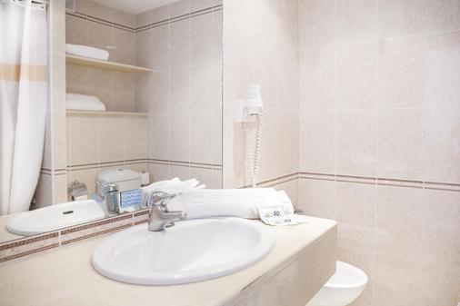 阿莱酒店 - 贝纳马德纳 - 浴室