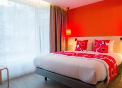 丽晶大酒店 - 库尔布瓦 - 睡房