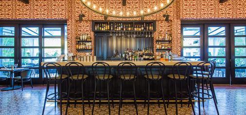科隆尼棕榈树酒店 - Palm Springs - 酒吧