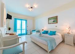 埃里诺恩西亚酒店 - 菲罗斯特法尼 - 睡房