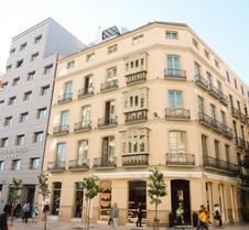 莫利纳拉里奥酒店