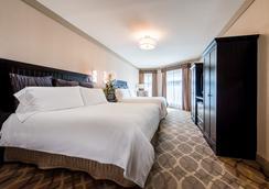 西方套房酒店 - 卡尔斯巴德 - 睡房