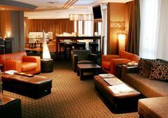 波士顿hh酒店 - 汉堡 - 休息厅