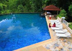 Comsaed River Kwai Resort - 北碧 - 游泳池