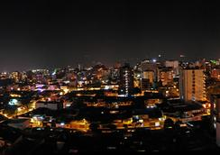 太阳门广场酒店 - 布卡拉曼加 - 户外景观