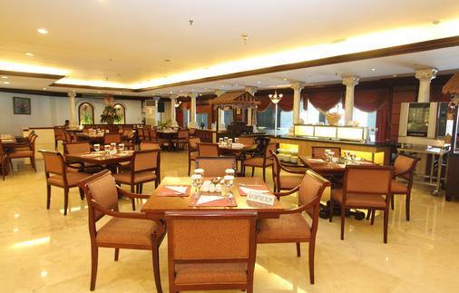 毕达卡拉班芝兰大酒店 - 南雅加达 - 自助餐