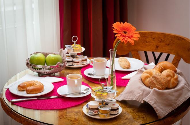 德瑞墨加斯公寓式酒店 - 维也纳 - 食物
