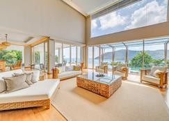 塔拉斯海滩Spa度假酒店 - 热浪岛 - 客厅