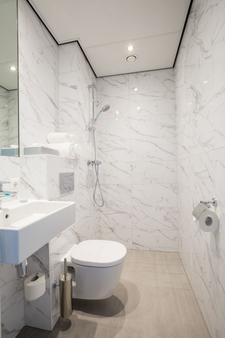 逸居酒店 - 阿姆斯特丹 - 浴室