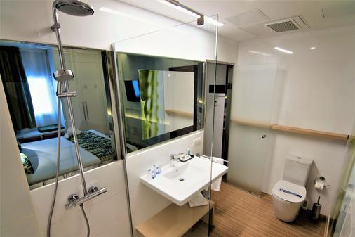 阿洛伊坎特拉斯酒店 - 大加那利岛拉斯帕尔马斯 - 浴室