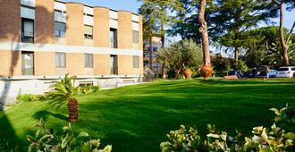 卡萨多蜜缇拉科尔平酒店 - 罗马 - 建筑