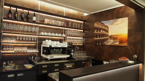 卡萨多蜜缇拉科尔平酒店 - 罗马 - 酒吧