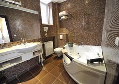 皇后阿斯托利亚设计酒店 - 贝尔格莱德 - 浴室