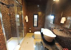 加尔尼先生设计酒店 - 贝尔格莱德 - 浴室