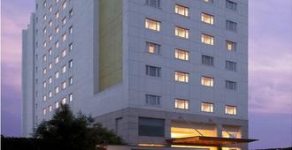柠檬树乌苏尔湖酒店 - 班加罗尔 - 班加罗尔 - 建筑