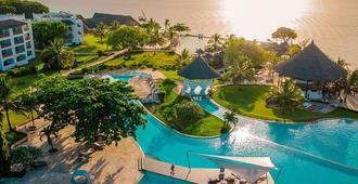 皇家巴尔海滩度假酒店 - 南威 - 游泳池