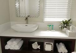 圣地亚哥海洋世界动物园阿特伍德酒店 - 圣地亚哥 - 浴室
