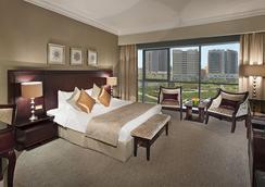 城市四季酒店 - 迪拜 - 睡房
