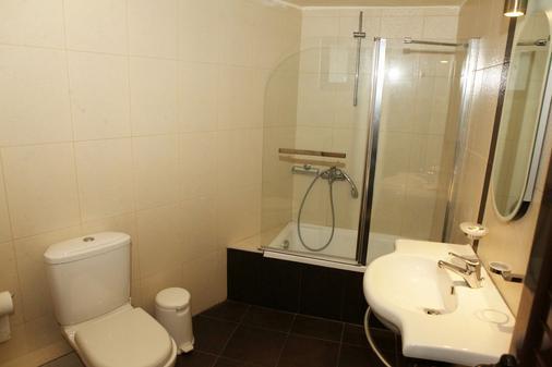 托蒂精品客房酒店 - 卡兰巴卡 - 浴室