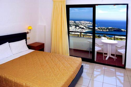佩拉母马酒店 - 阿齐亚佩拉加 - 睡房