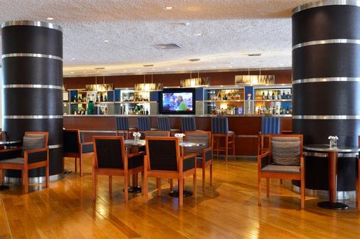 佩斯塔纳维拉阳光高尔夫度假酒店 - 维拉摩拉 - 酒吧