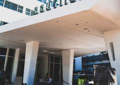 那堤路斯阿罗酒店 - 迈阿密海滩 - 建筑