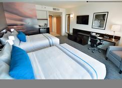 湖畔温尼伯机场大酒店 - 温尼伯 - 睡房