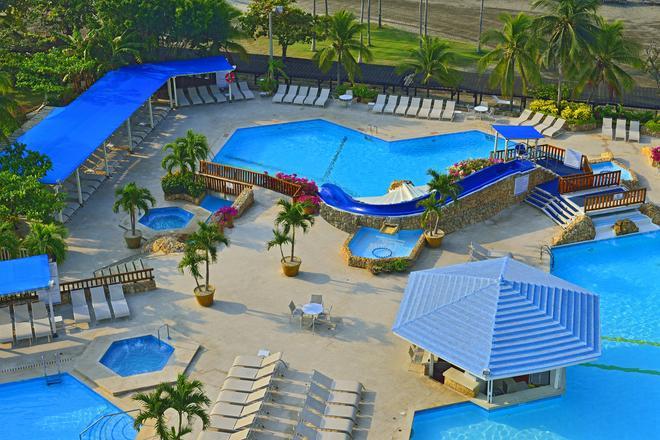 卡塔赫纳希尔顿酒店 - 卡塔赫纳 - 游泳池