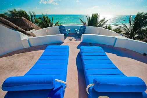 金索尔苏雷精品酒店 - 卡门海滩 - 阳台